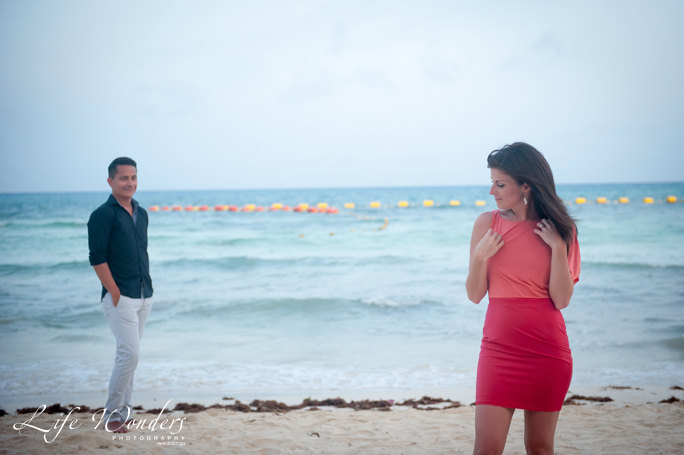 playa-del-carmen-engagement-couple-2