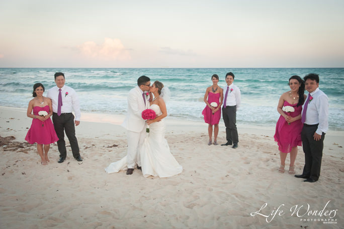 Nice Mexico wedding dress and bridesmaids