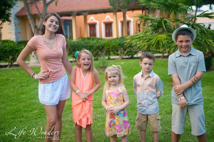 family-kids-happy-photograph