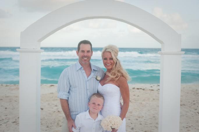 beach-wedding-cancun-tina-17