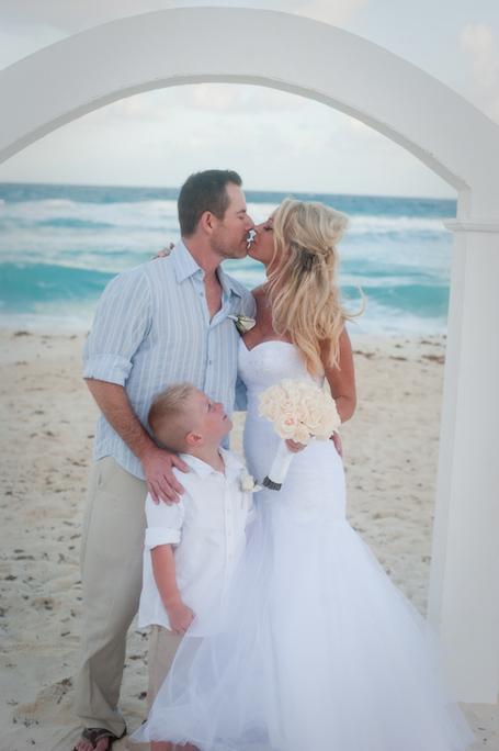 beach-wedding-cancun-tina-18