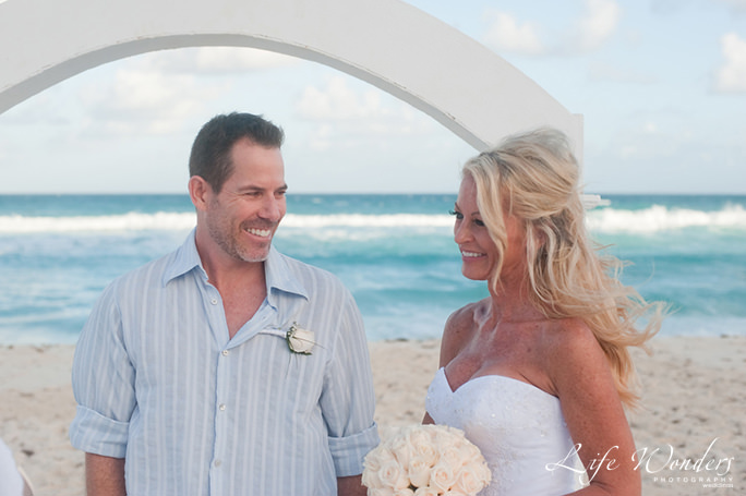 tina-wedding guide for cancun wedding weather