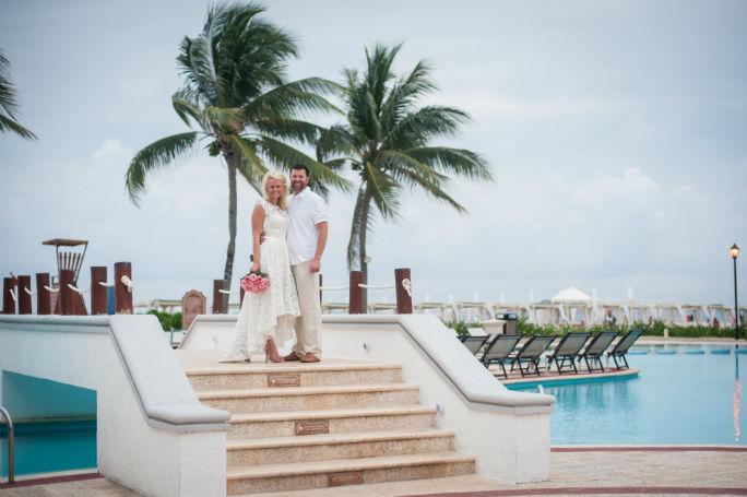 the royal playa del carmen wedding portraits