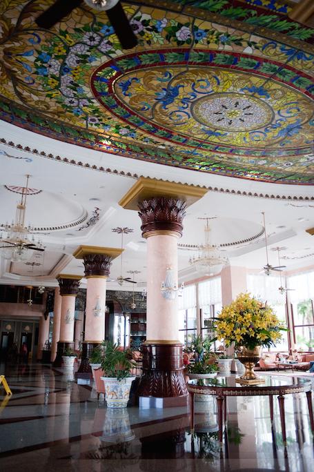 riu-wedding-lobby