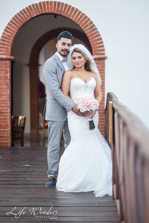 Bride and groom at Now Sapphire Resort