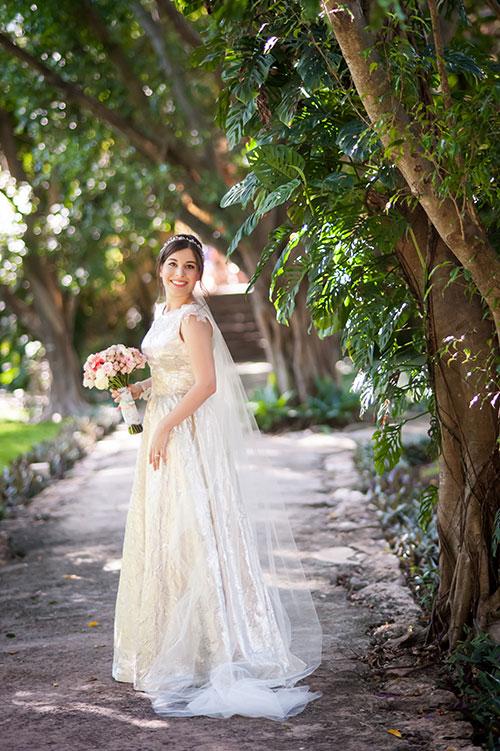 nature-backdrop-bride - wedding photos