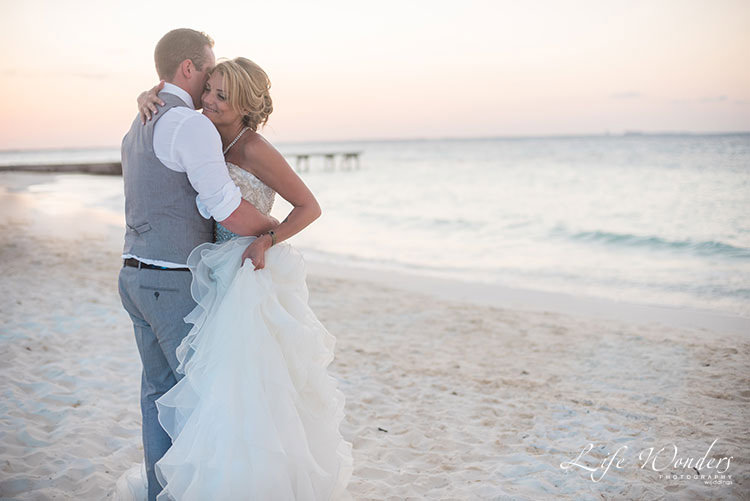 First dance in Cancun beach