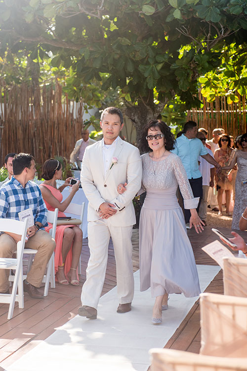 groom and mother - azul fives weddings