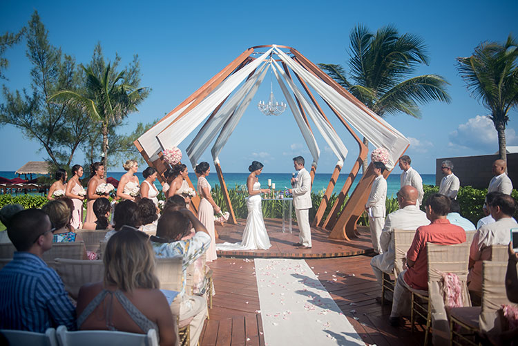wedding ceremony in Azul Fives Cancun