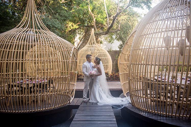 bride and groom portrait in cancun resort