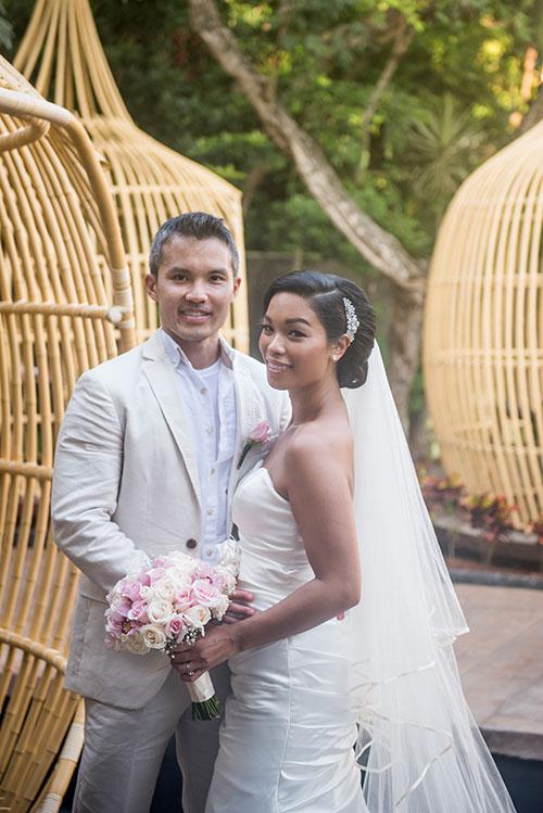 bride and groom portrait azul fives