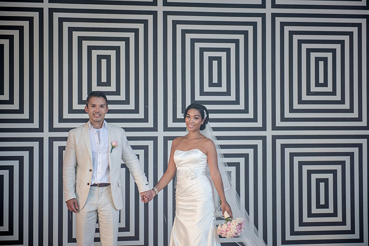 bride and groom architectural backdrop