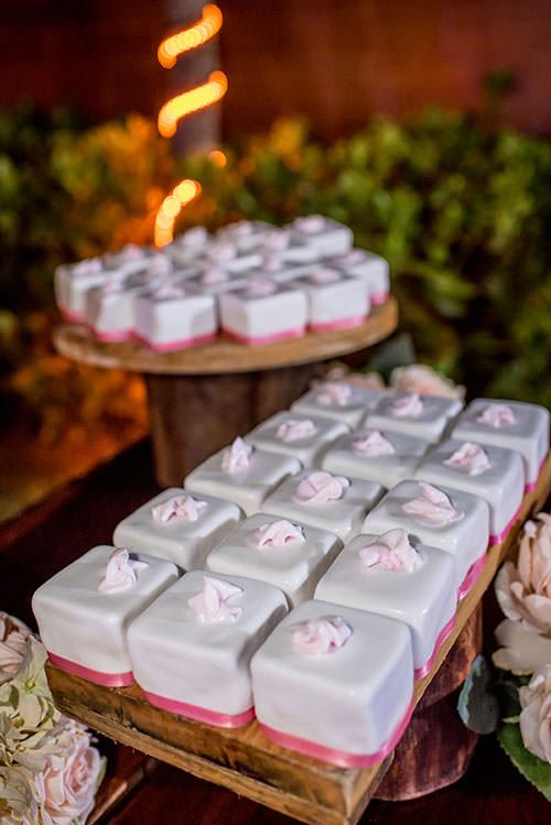 wedding cake in cancun