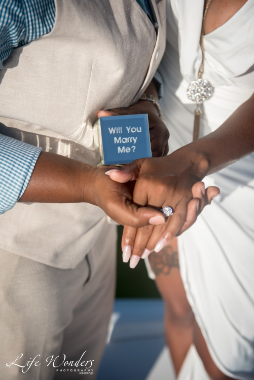 engagement ring of marriage proposal in Cancun