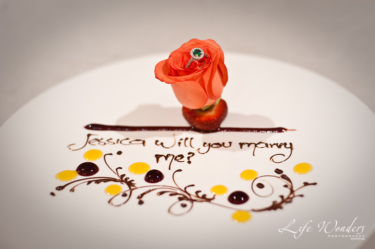 romantic ways to propose during dinner