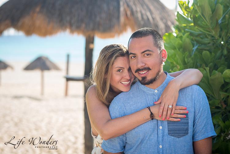 couple on cancun beach