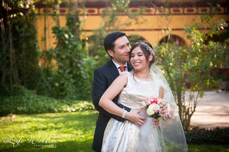 bride and groom in Hacienda Misne wedding