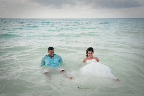 Trash the Dress in Playa del Carmen Beach | Blanca & Alejandro