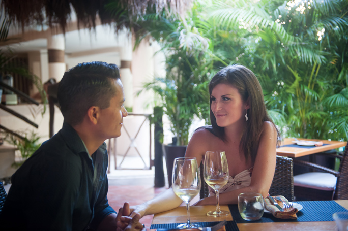 playa-del-carmen-engagement-couple-1