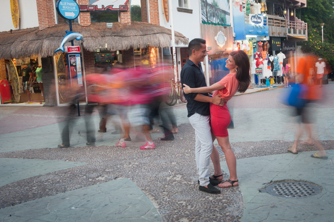 playa-del-carmen-engagement-couple-30.jpg