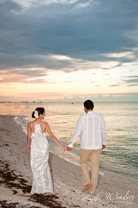 beach wedding dress of Claudina