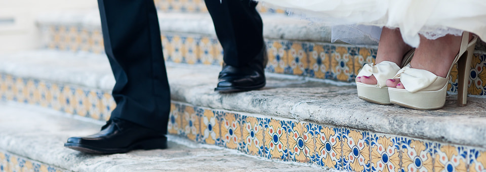 feet shot of bride and groom by Cancun wedding photographer