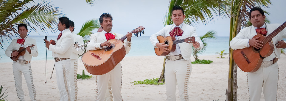 mariachi band play on sandy beach photographed by Cancun wedding photographer