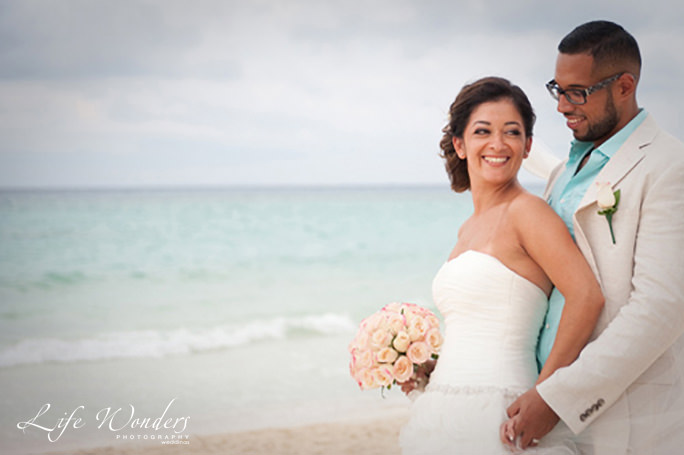 bianca-alejandro guide for cancun wedding weather