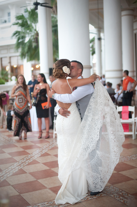 cancun-wedding-photographer-ceremony-23 - Riu Cancun Wedding