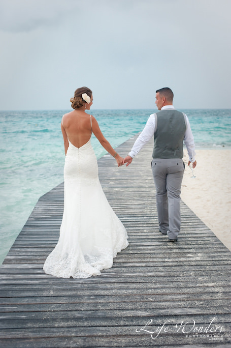 beach wedding dress of dana in Cancun