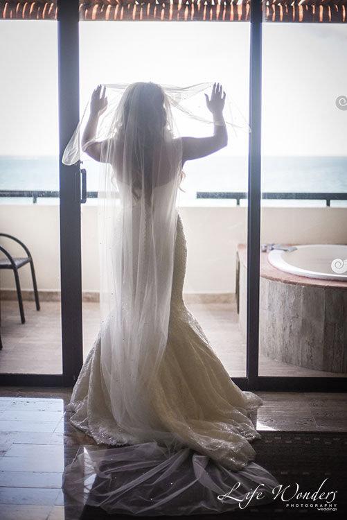 Cancun wedding getting dressed