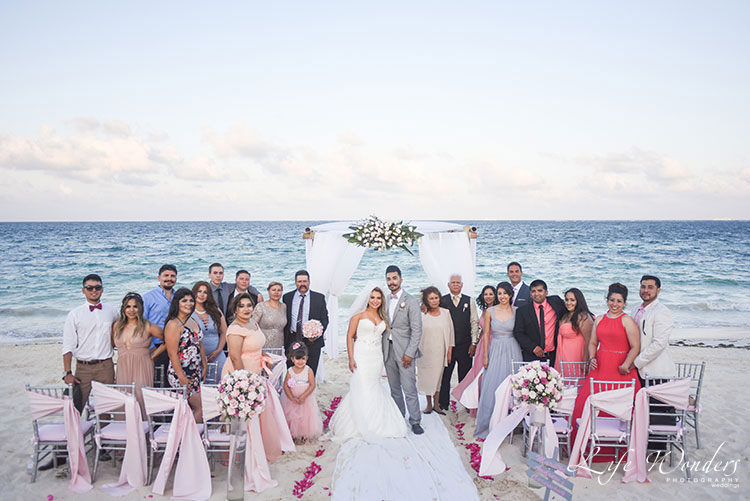 Wedding ceremony family portrait in Cancun
