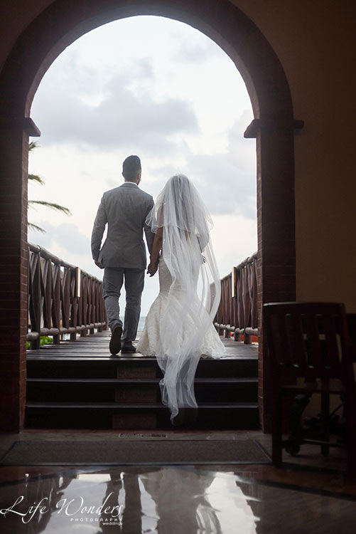newlyweds in Now Sapphire Resort
