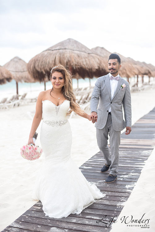 Bride and groom in Cancun beach wedding