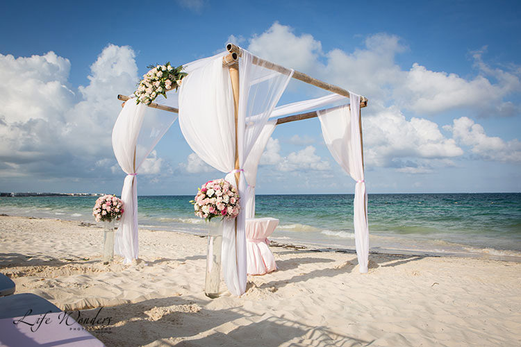 destination wedding in cancun beach - wedding photos