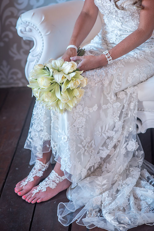 Bride bouquet and accesories