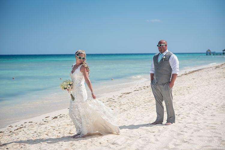 Bride and groom in Mexico wedding
