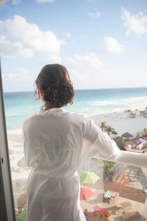 beach backdrop wedding while getting ready