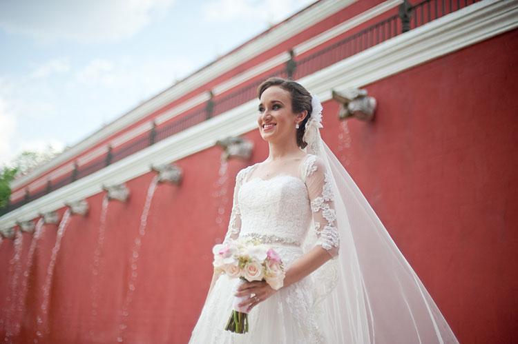 bride in a Hacienda wedding
