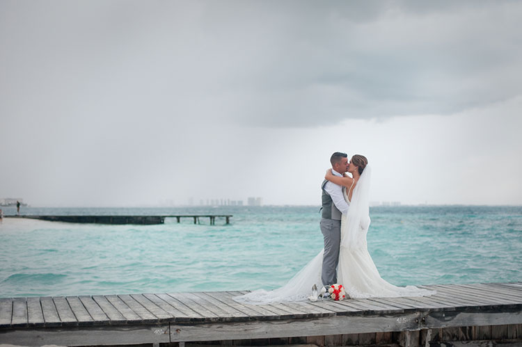 wedding photo with rain