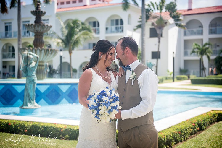 Riu Palacer Playacar wedding portrait