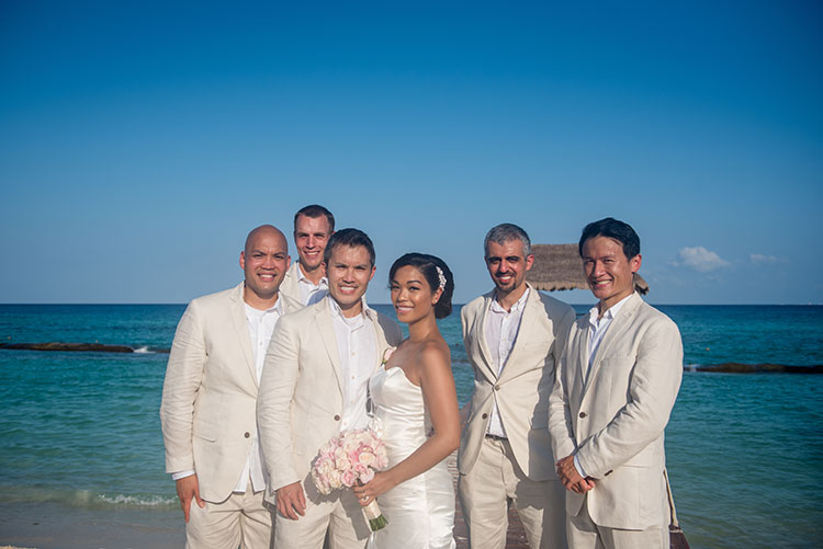 wedding portrait with groomsmen