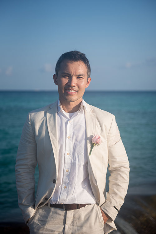 groom portrait in cancun
