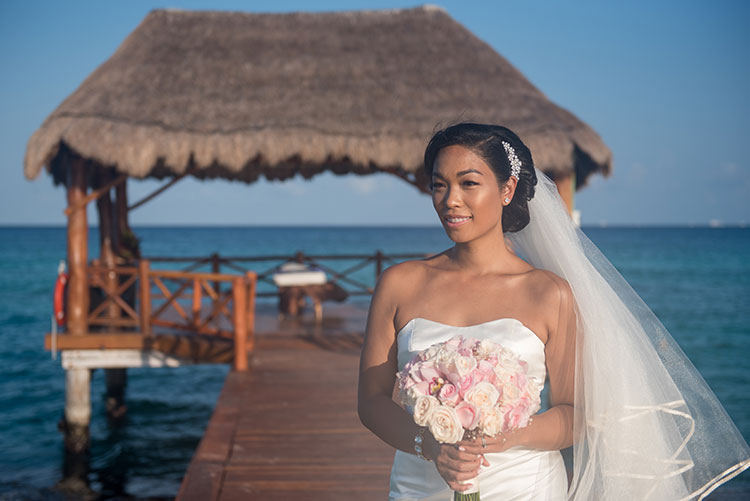 bride portrait in azul fives cancun