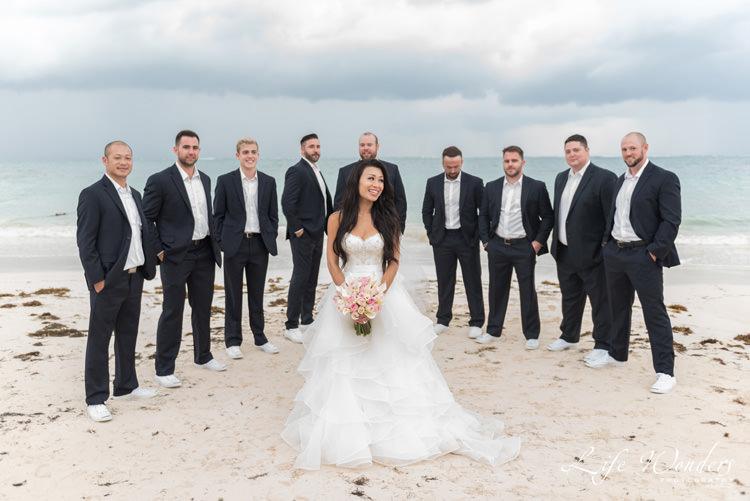 bride and groomsmen wedding portrait