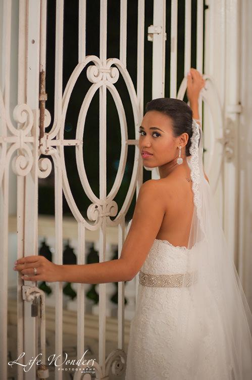 mayan wedding bride in white wedding dress