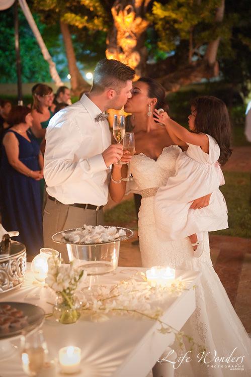 mexico wedding photographer bride groom kissing