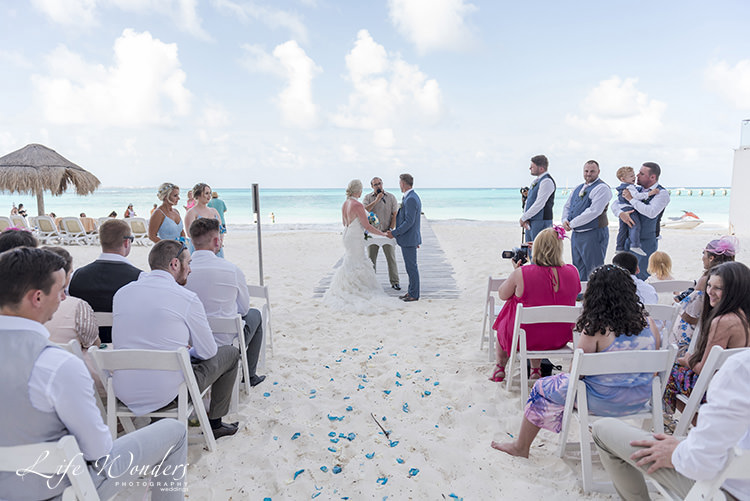 riu cancun beach wedding ceremony