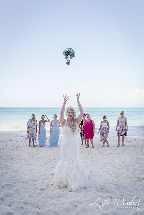 cancun wedding photographer groom with daughter